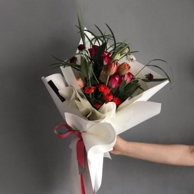 [생화] 로즈 장미 튤립 꽃다발 (레드톤)
