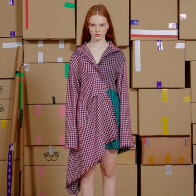 [9월 16일 예약배송] ASYMMETRIC HEM CHECK ONE PIECE_RED