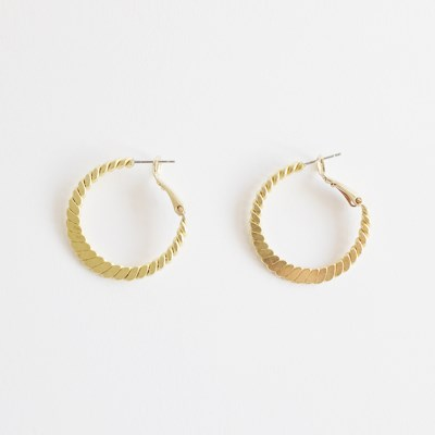 Flat Twist Earring