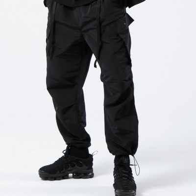 2TUCK BELTED CARGO PANTS (BLACK)_(401030282)