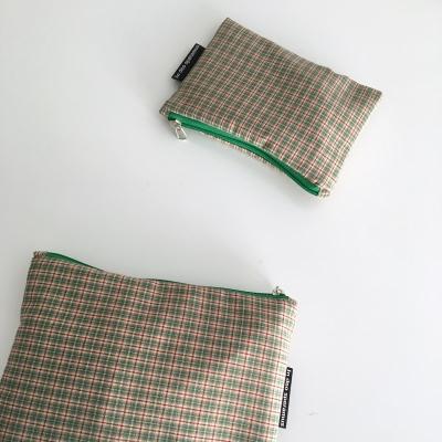 빈티지 그린 믹스 체크 파우치(Vintage green check pouch)