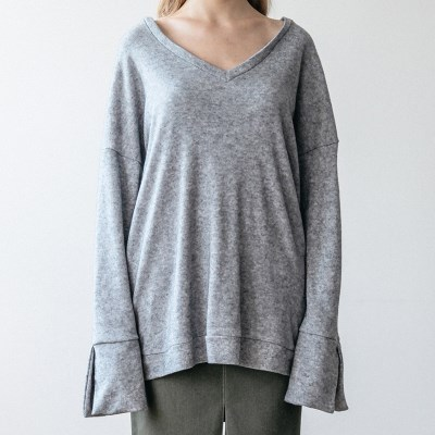 V NECK KNIT (GREY)