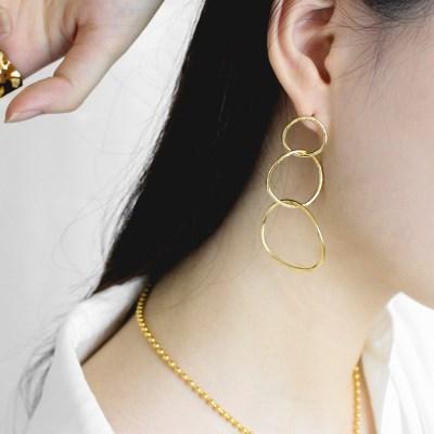 Maniere earring