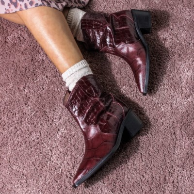 cowboy boots(wine)