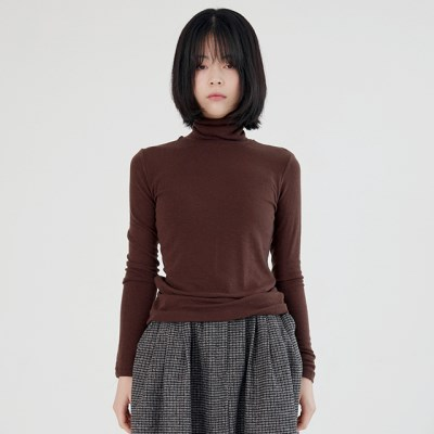 smooth pola neck tee (brown)_(1390515)