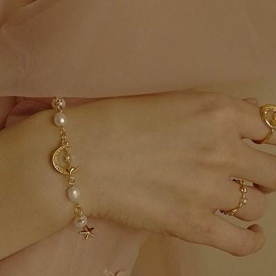 Lune Catcher Bracelets