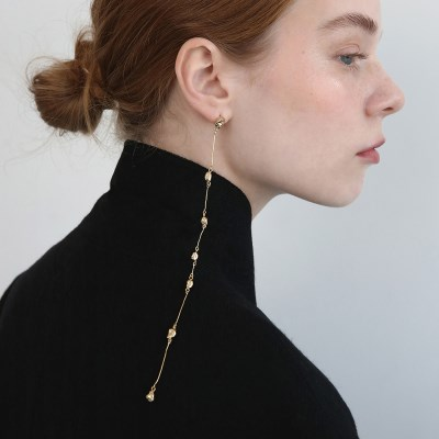 Form of Time - Earring 11 - Gold