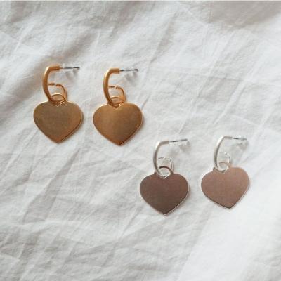 납작 무광 하트 드롭 귀걸이 (2color)