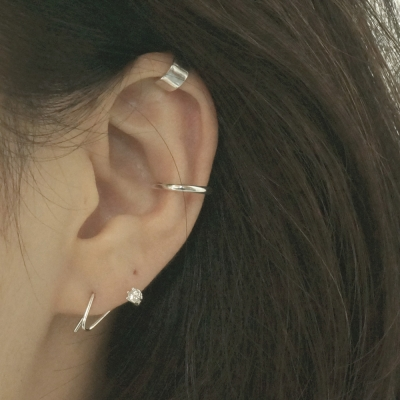 'A type' ear-cuff