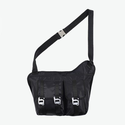 EQUIPMENT MESSENGER BAG (BLACK)_(401055705)