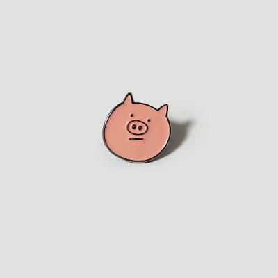 Piggy metal badge
