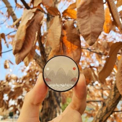 왕의 문양 전통 일월오봉도 오동색 그립톡