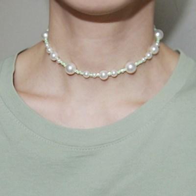 lightgreen_pearl_neck 라이트그린 화이트펄 목걸이