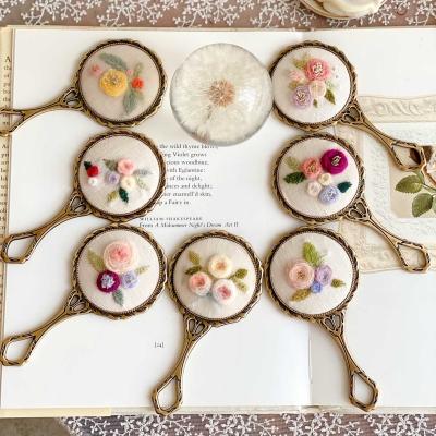 [텐텐클래스] (서초) 꽃자수 손거울 만들기