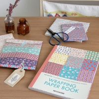 VEVENE's wrapping paper book