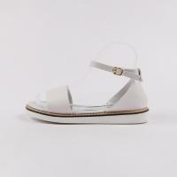 Back hole strap sandals