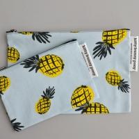 petit pineapple pouch