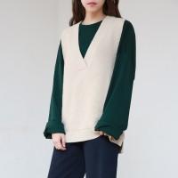 Wool knit v-neck vest