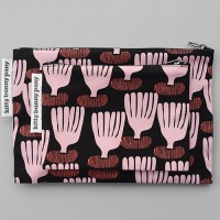 petit coral pouch by Jessica Nielsen