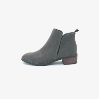 Side suede ankle boot