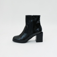 Enamel square heel ankle boots