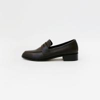 Slim matt loafer