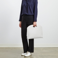 DOCUMENT TOTE _ 13