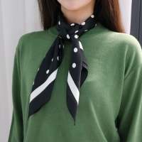Dot color scarf