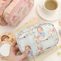 Oilcloth daily pouch