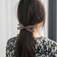 Leather hairpin