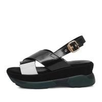kami et muse Gold belted platform enamel sandals_KM17s132