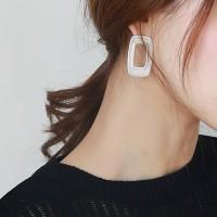 Vintage rectangle bold earring