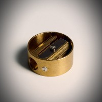 [원더스토어] DUX 독일 휴대용 원형 황동 연필깎이 + 파_(810585)