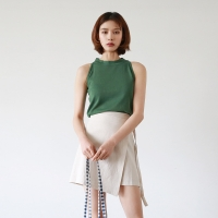 Halterneck knit sleeveless