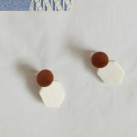 90 - flat hexagon drop earring
