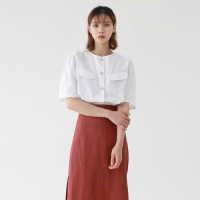 Big nacre button puff blouse