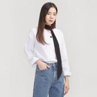 point button V-neck blouse_(700186)