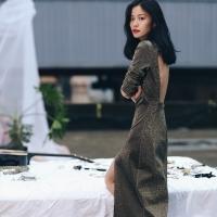 비즈골드 이브닝 드레스