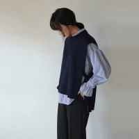 knit vest & stripe shirts set