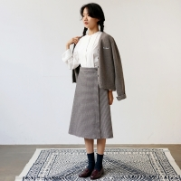 BUTTON WRAP SKIRT-WINE