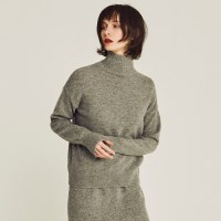 LAMBS WOOLEN TURTLENECK SWEATER (GRAY)