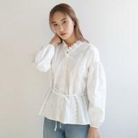 Back string lace blouse
