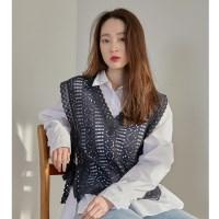 [치즈달] eyelet lace vest