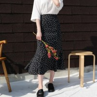 Simple dot long skirt