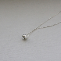 silver ball necklace 大
