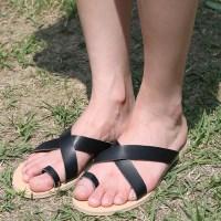 Light x-strap slipper