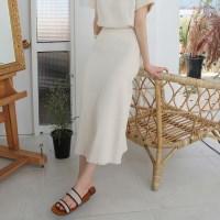 Organic texture ruff skirt