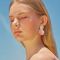 Little Mermaid Earring (Peach)