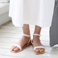 Cool strap point sandals