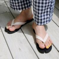 Tabi shape flip flop